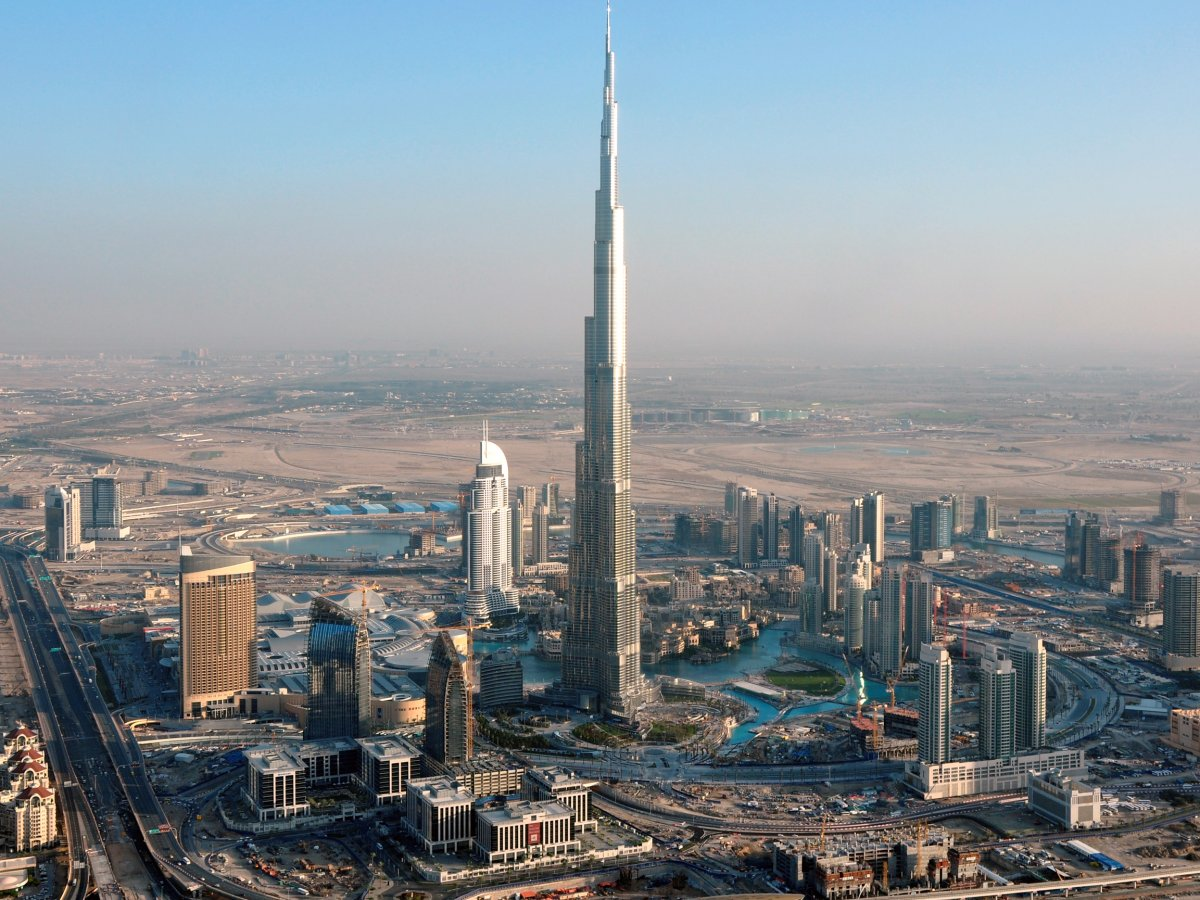 the-burj-khalifa-in-dubai-cost-approximately-15-billion-to-build-construction-lasted-from-2004-to-2009