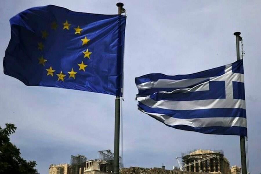 Διπλή ψήφος εμπιστοσύνης στην ελληνική οικονομία από Fitch και Κομισιόν