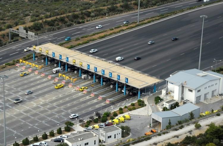 Αδειάζουν οι αυτοκινητόδρομοι – Κάμψη στην κυκλοφορία 12,6% στην Αττική Οδό λόγω κορωνοϊού