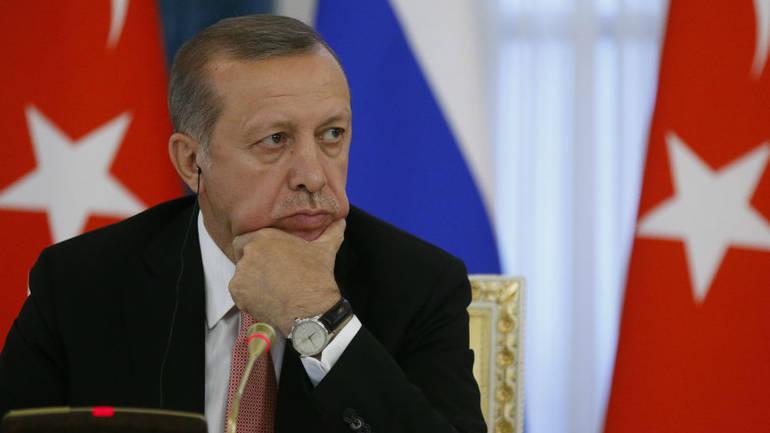 Τουρκική Λίρα: Νέα πτώση – Η θηλιά σφίγγει – Διεθνή στοιχήματα για κατάρρευση ως τον Αύγουστο