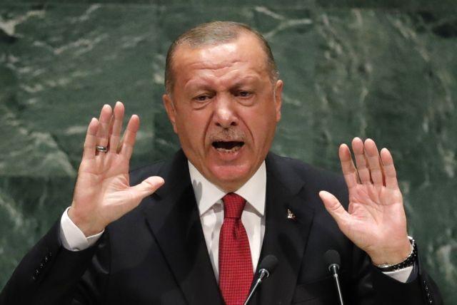 Η Moody's υποβάθμισε την Τουρκία – Οι κίνδυνοι συσσωρεύονται
