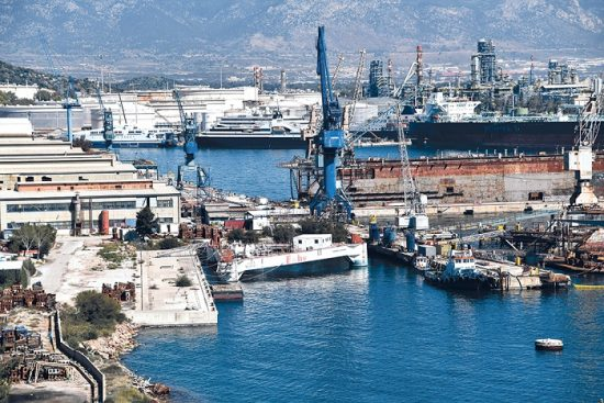 Ναυπηγεία Ελευσίνας: Πώληση στην ΟΝΕΧ ή εισαγγελέας