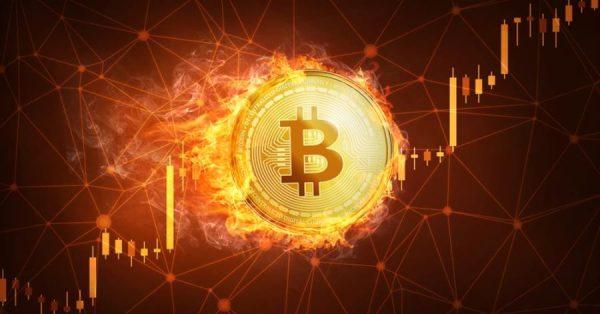 Ο άνθρωπος ψάχνει για bitcoin σε χώρο υγειονομικής ταφής