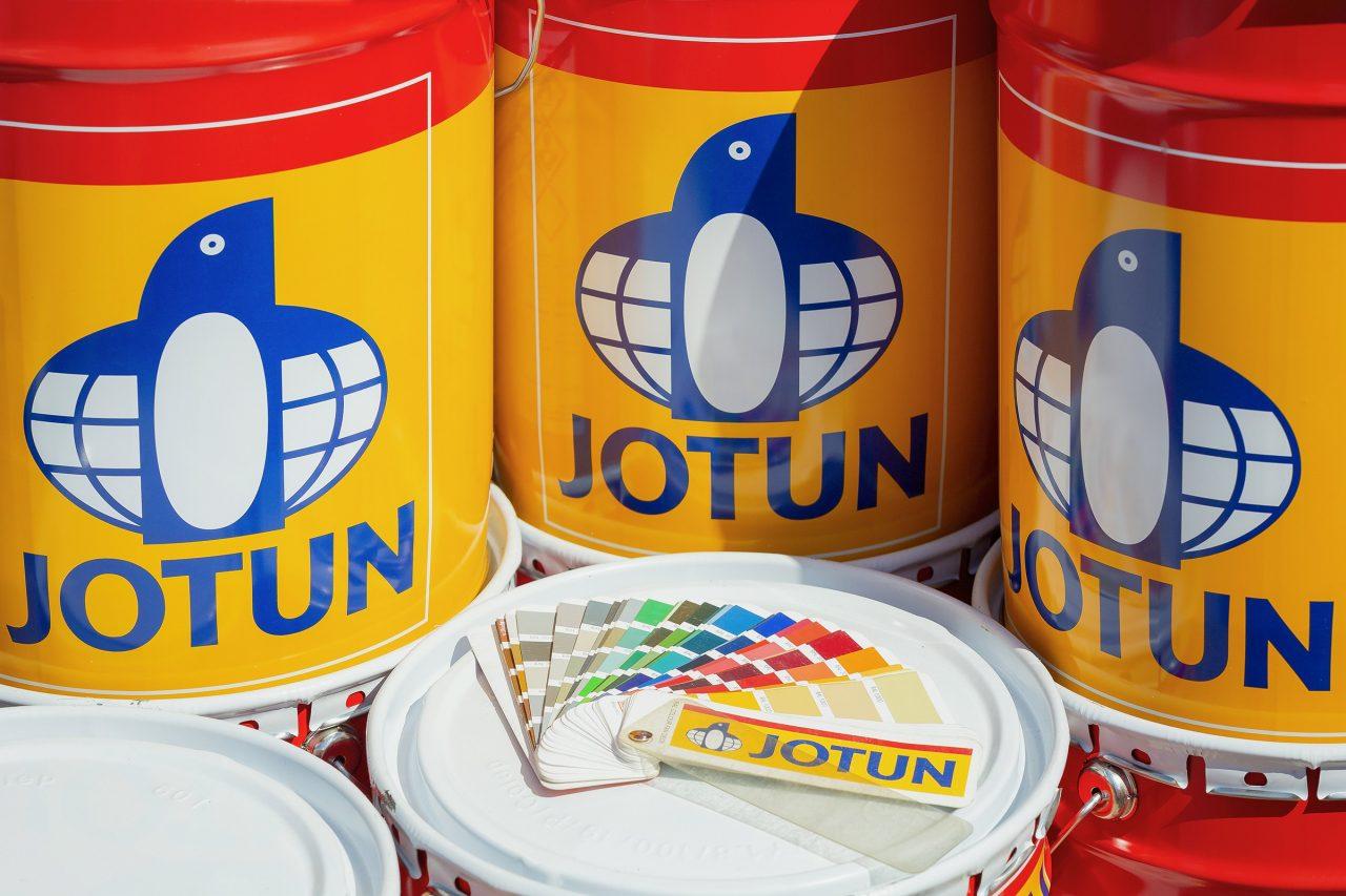 Jotun drydock Paint Cans